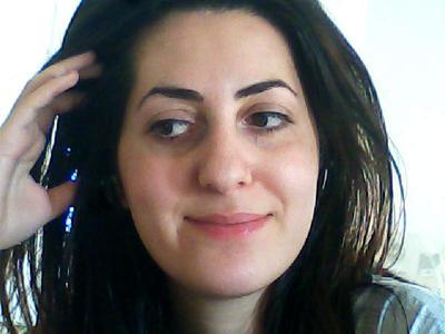 hi , am 26 , long dark hair, white skin, under https://www.wow-makeup-styles.com/tmp/thumb_webcam-toy-photo174.jpgmy eyes like very thin little blue skin ,